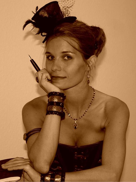 Nina C. Hasse - Steampunk-Autorin