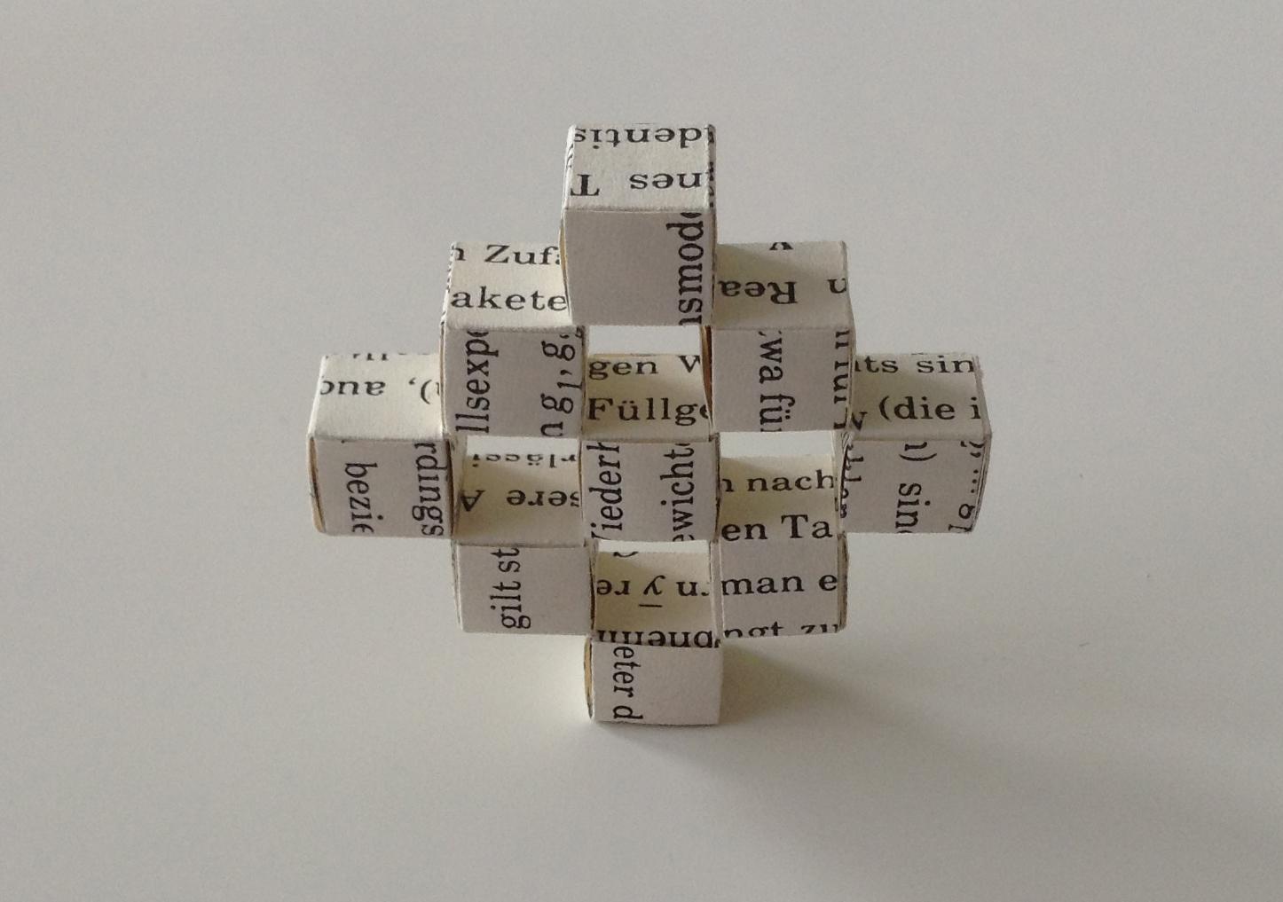 Origami mit Buchseite - Bewegliche Cubes