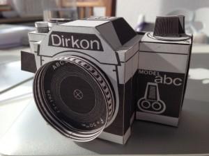Dirkon, Kamera aus Papier gebastelt
