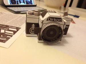 Dirkon - Kamera aus Papier gebastelt